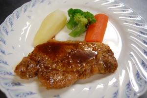 安曇野ポークのステーキ