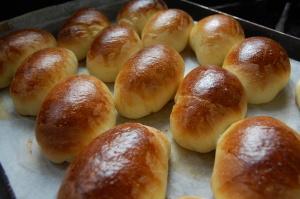 自家製のロールパン。朝食にお出ししています。