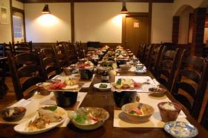 春と秋の期間限定で和食もご用意できます。