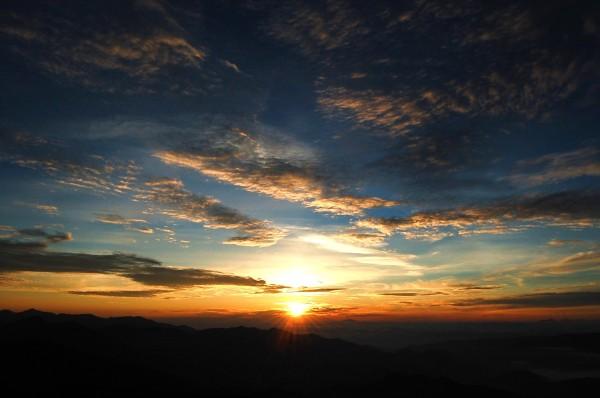 dc100717-sunrise