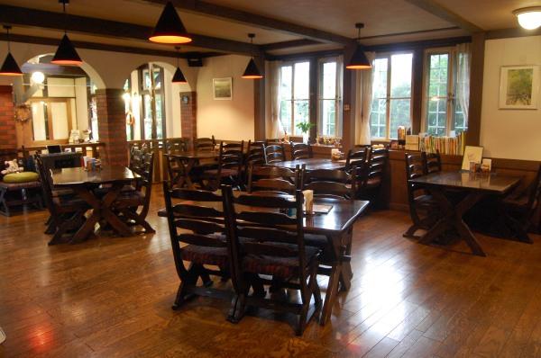 dc130913-restaurant2